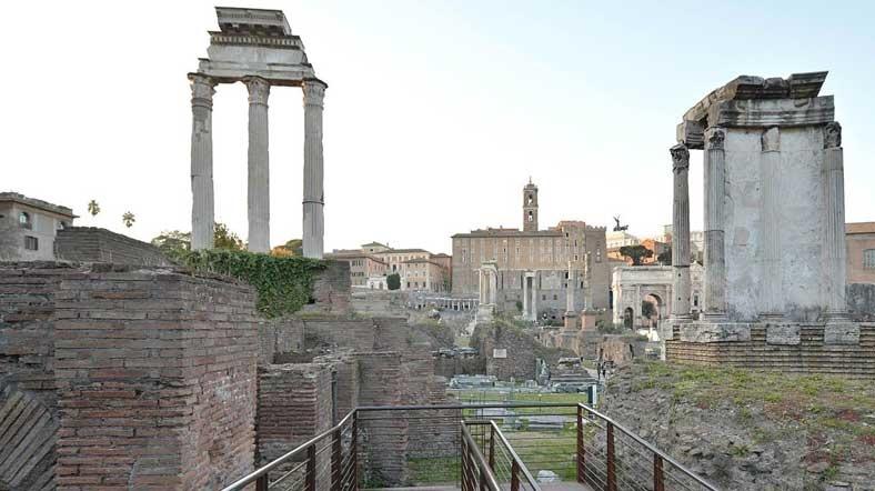 Roma Büyükelçiliği Türk Turistleri Tarihi Eserler Konusunda Uyardı