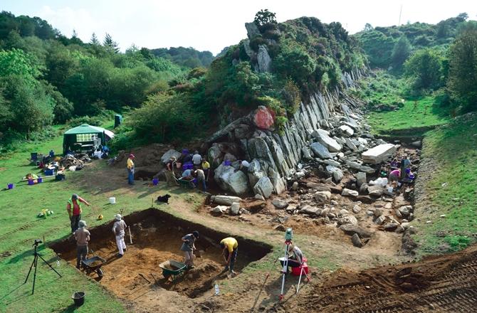 Stonehenge'teki Dikili Taşlar Daha Önce Başka Yerde Kullanılmış Olabilir