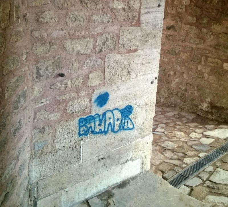 Mimar Sinan'ın Yaptığı Süleymaniye Hamamı da Vandalizm Kurbanı
