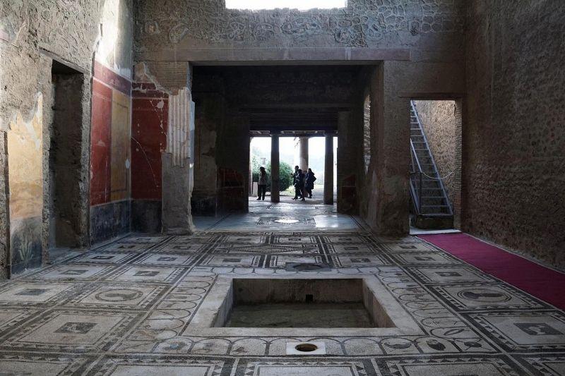 Pompeii'de yeni açılan bir hamam (Ciro de Luca/Reuters/Corbis)