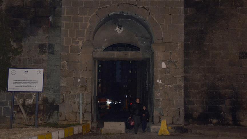 UNESCO Listesindeki Diyarbakır Surlarına Roketatar Mermisi Geldi
