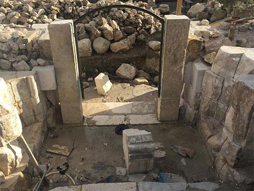 Antalya'da Restorasyon Sırasında 800 Yıllık Caminin Kapısı Yıkıldı