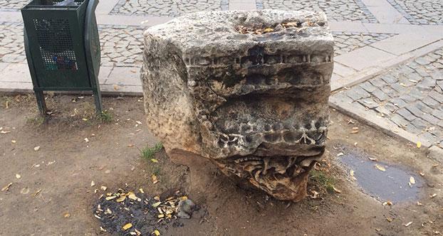 Antalya'da Tarihi Eseri Yakanlar Aranıyor
