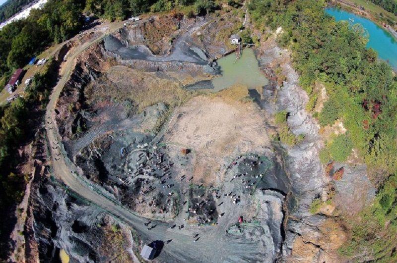 New Jersey'de bulunan eski bir maden ocağında, tarihi dinozorların soylarının tükenişine çok yakın bir tarihe dayanan bir fosil yatağı keşfedildi.