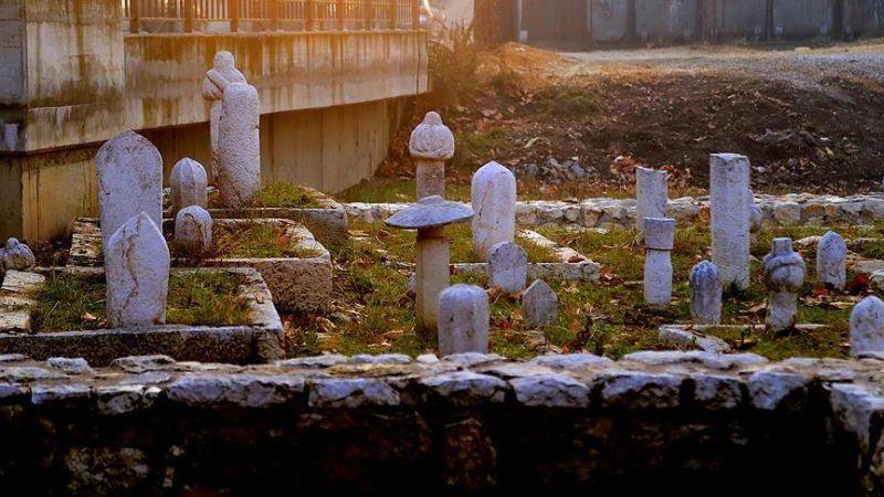 Bosna Hersek'te Osmanlı Mezar Taşları Gün Yüzüne Çıkarılıyor