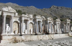 Burdur'da bulunan ünlü antik kent Sagalassos'da yapılan araştırmalar şehrin terk ediliş hikayesi hakkında ilginç sonuçlar veriyor.