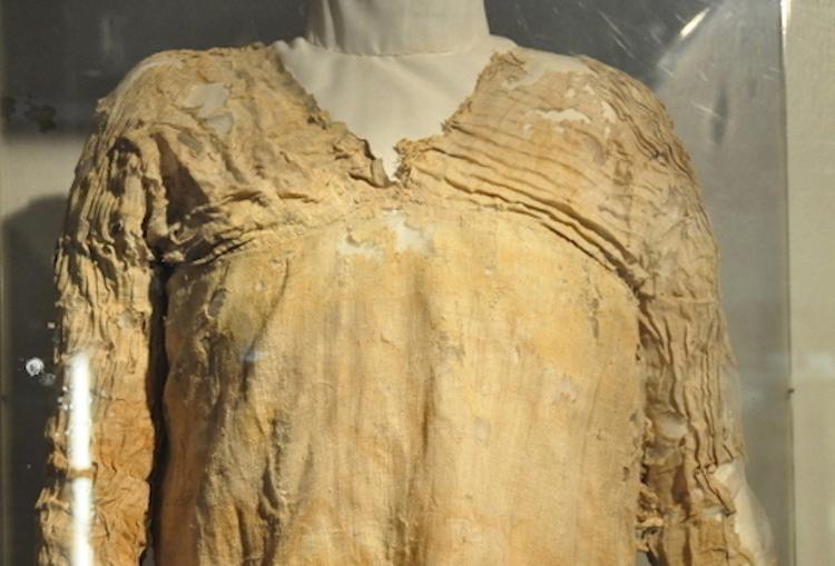 Tarkhan Elbisesi'nin Dünyanın En Eski Elbisesi ve En Eski Dokuma Kumaşı Olduğu Kesinleşti