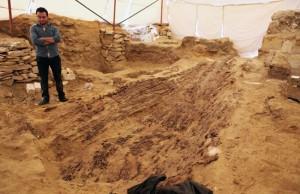 Mısır'da Abusir Piramitlerinin Yanında 4500 Yıllık Cenaze Teknesi Bulundu