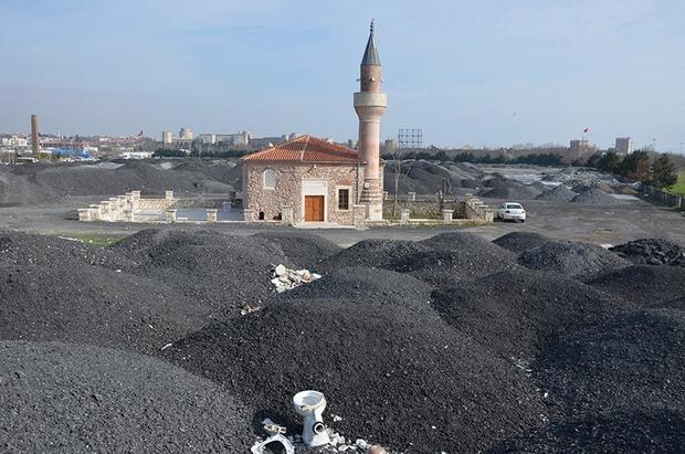 400 Yıllık Camiyi Kaplayan Molozlar Kaldırılacak