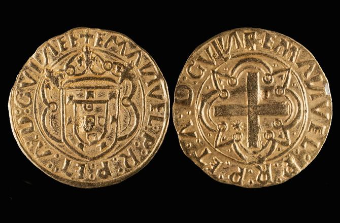 1495-1501 yılları arasında Lisbon'da basılan altın sikkeler.