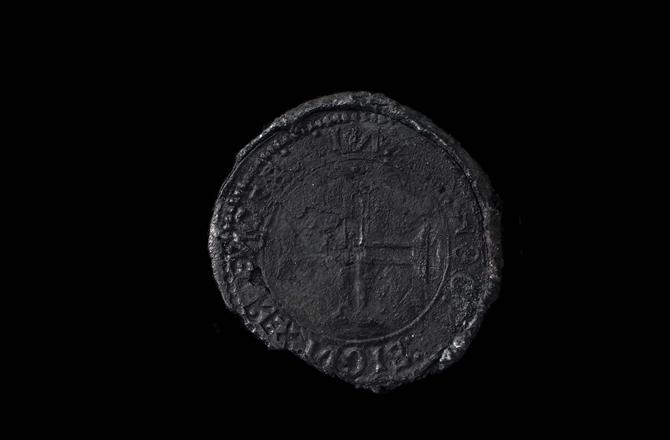 İndio denilen, özellikle Hindistan ile ticaret yapabilmek için 1499'da Dom Manuel tarafından yaptırılan gümüş sikke.