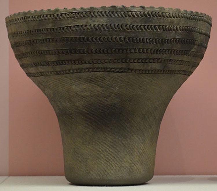 MÖ. 6000-7000 yıllarına ait Batı Japonya'da yer alan Torihama'dan Jomon çömleği - Fotoğraf: Wakasa Tarih Müzesi