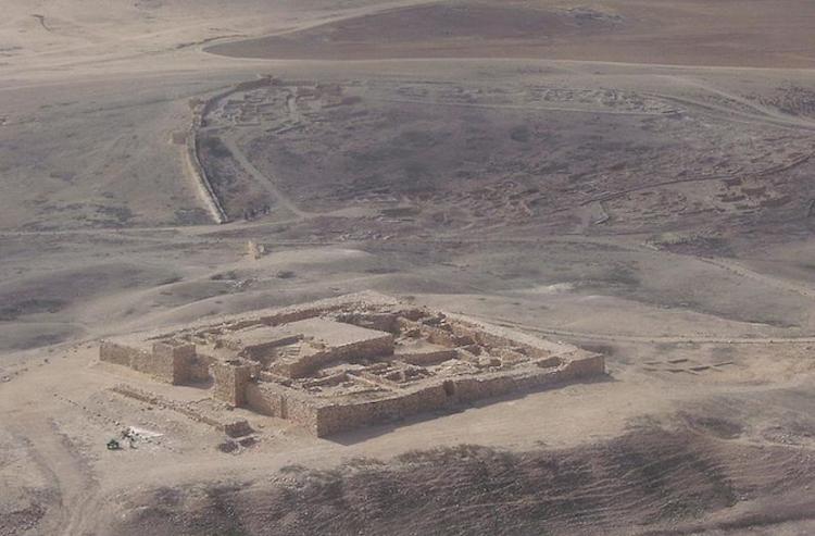 desert_fortress-670
