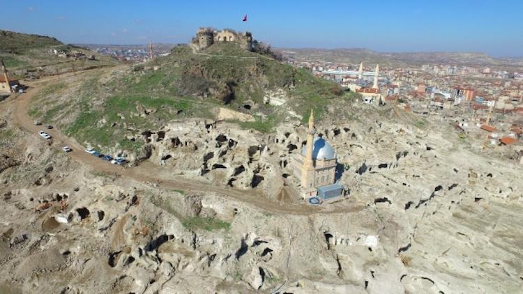 Nevşehir'deki Devasa Yeraltı Şehrinin Yapıları Havadan Görüntülendi