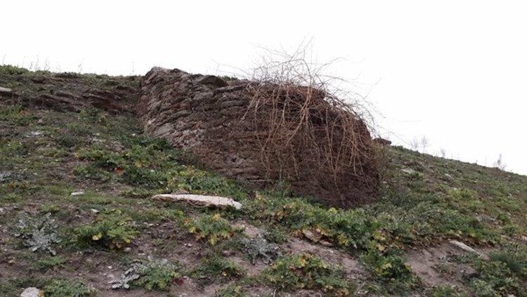 Orthosia Antik Kenti Uzmanlar Yerine Defineciler Tarafından Kazılıyor