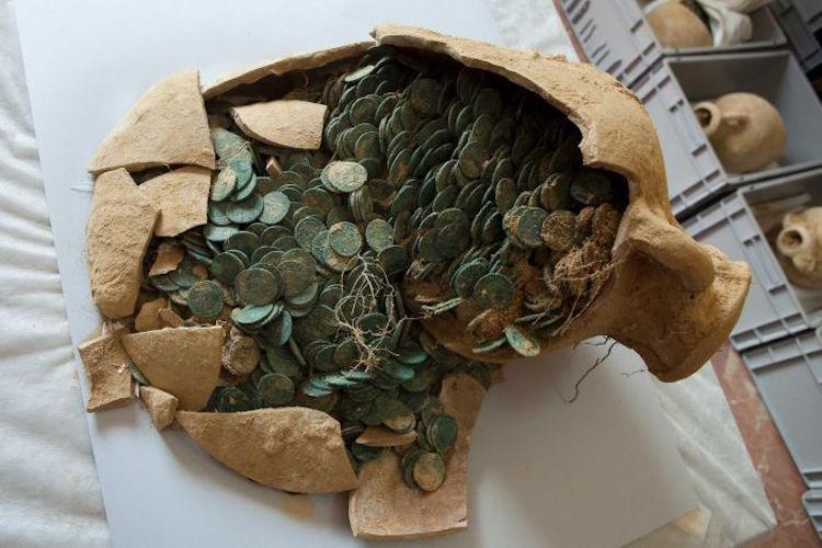Su Borusu Kontrolünde 600 Kilo Roma Sikkesi Bulundu