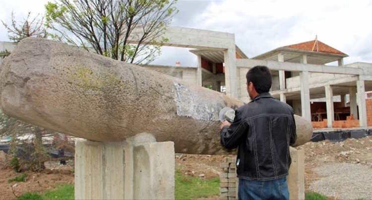 Erzurum'da 1000 Yıllık Taşa Verilen Zararla İlgili Soruşturma Başlatıldı
