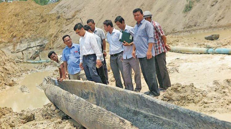 Kamboçya'da Odundan Yapılmış 800 Yıllık Bot Bulundu
