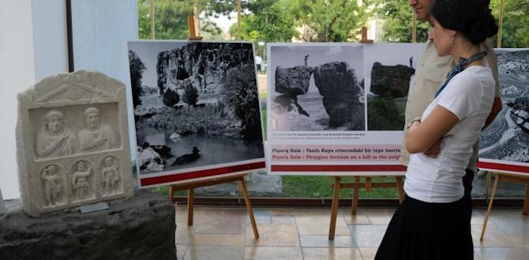 Eskişehir'de Frig Vadisi Yolculuğu Adlı Fotoğraf Sergisi Açıldı