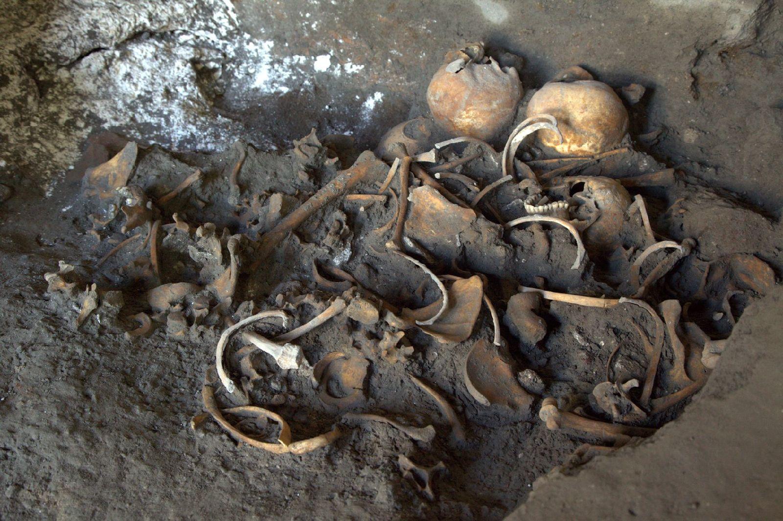 Pompeii Kazılarında Dükkanda Altın Sikke ve İskeletler Keşfedildi