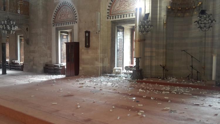 İstanbul'daki Patlamada Mimar Sinan'ın Şehzade Camii Zarar Gördü