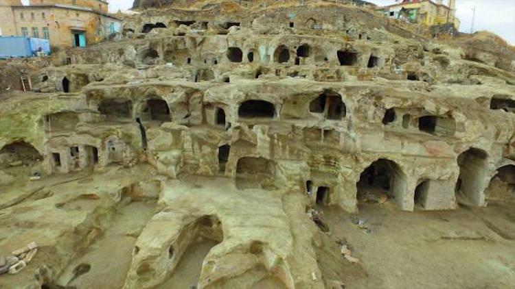 Dünyanın bilinen en büyük yeraltı yerleşimi.