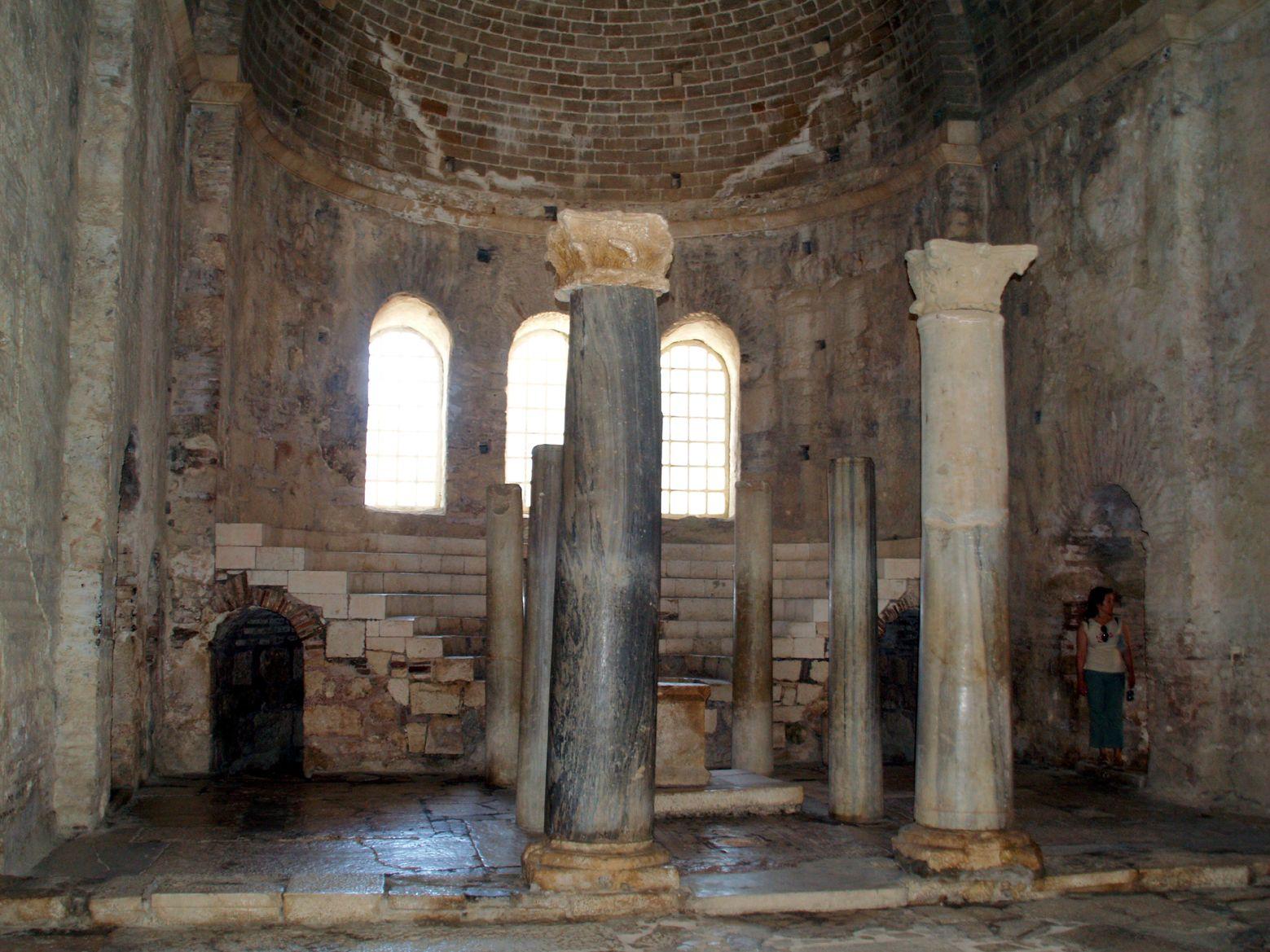 Antalya'daki Aziz Nikolaos Anıt Müzesi'nde Kazılar Sürüyor