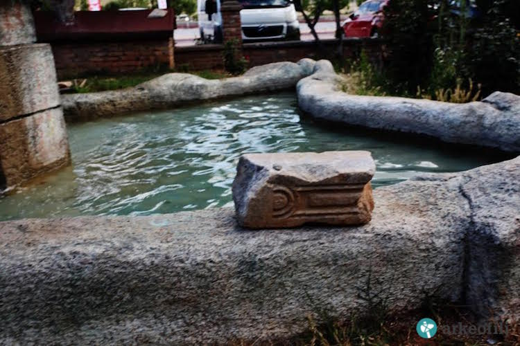 tarihi eserler süs havuzu oldu
