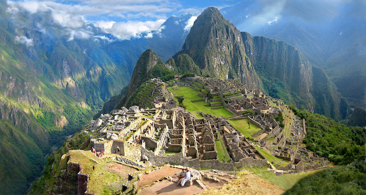 Machu Picchu Harabeleri'nde Selfie Çeken Turist Düşerek Öldü
