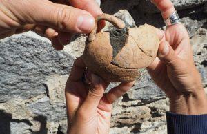 Bulgaristan'ın güneybatısındaki dağlık bölgede bulunan ve döneminin önemli yerleşmelerinden olan Bresto'da yeni Miken malzemeleri bulundu.