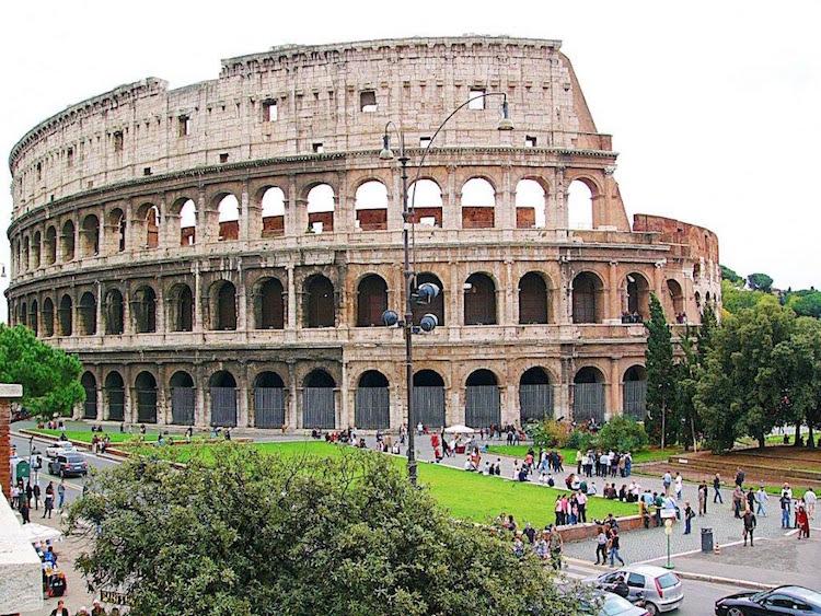 İtalya 18 Yaşına Girenlere Kültürel Etkinlikler İçin 500 Euro Veriyor