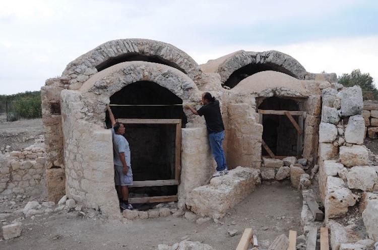 Mersin'de 1800 Yıllık Hamamda Sağlık Dileği Yazıtı Bulundu