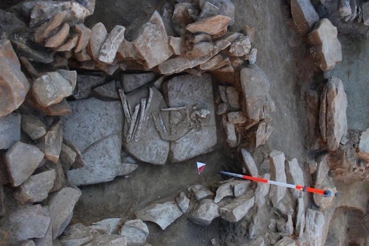Silivri'de Bulunan 5000 Yıllık Kurgan Mezar Kaderine Terk Edildi
