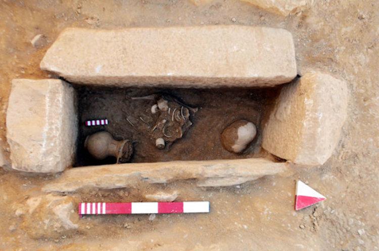 Milas'ta 2400 Yıllık Zengin Bir Aileye Ait Oda Mezar Bulundu
