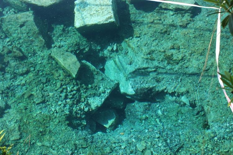 Pamukkale'deki Depremler Nedeniyle Antik Havuzda Hasar Gördü