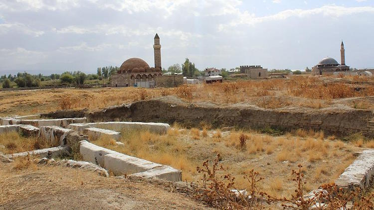 Eski Van Şehrinde Osmanlı Dönemine Ait Kamusal Yapılar Ortaya Çıktı