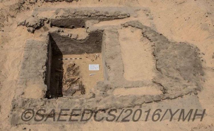 Statü sahibi bireylere ait olduğu düşünülen mezarlardan biri F:Mısır Eski Eserler Bakanlığı