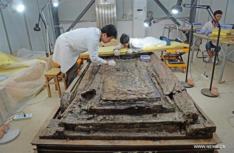 Çin İmparatorunun Mezarında Yazılar ve Semboller Bulundu