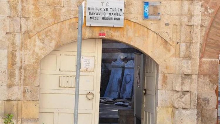 Manisa'da Kötü Şartlarda Tutulan 35.000 Eser için Yeni Müze Yapılacak