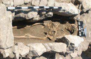 Truva'da 800 yıllık bir kadın iskeleti, ölümcül enfeksiyon izleri taşıyor