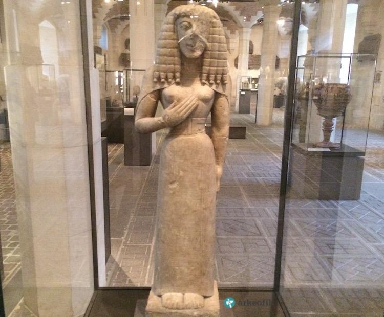 Auxxere Kadını, Louvre Müzesi