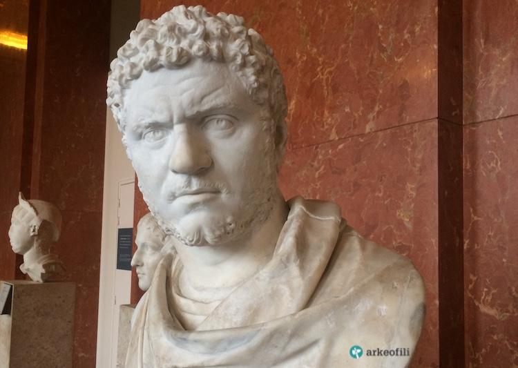 Caracalla büstü, Louvre Müzesi