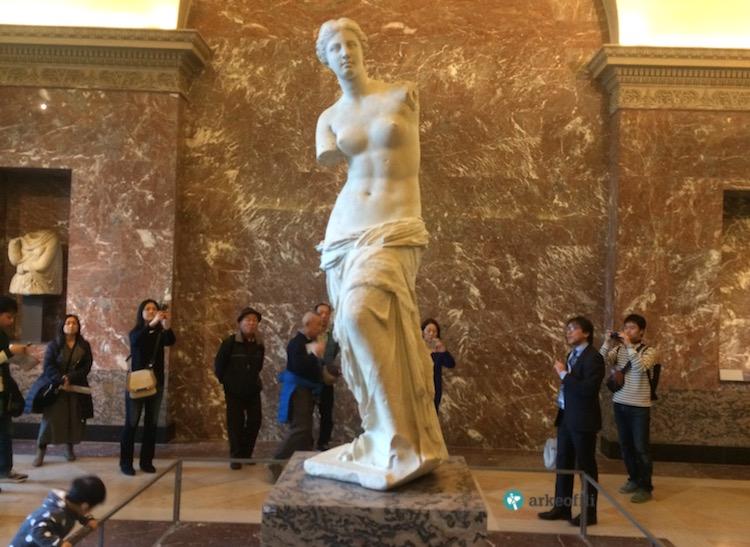 Milo Venüsü, Louvre Müzesi