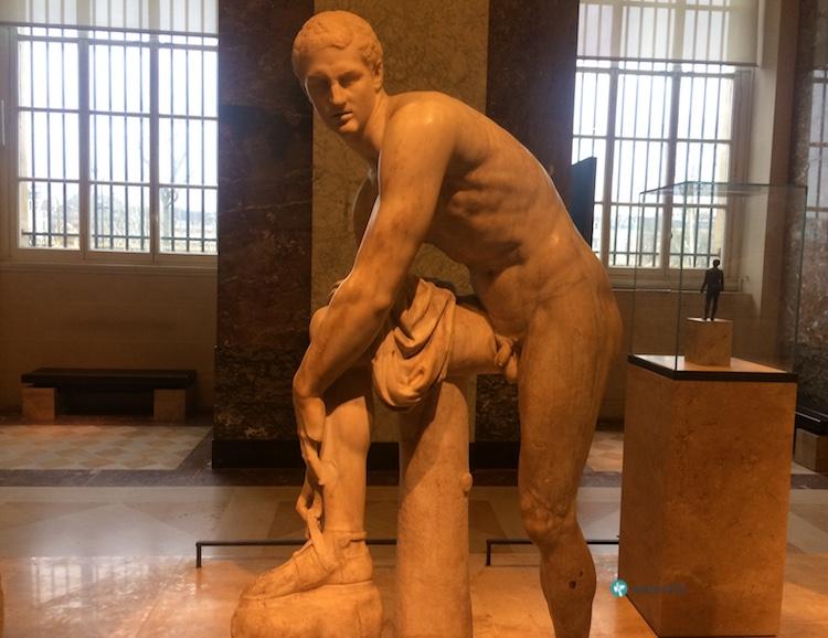 Hermes Heykeli, Louvre Müzesi