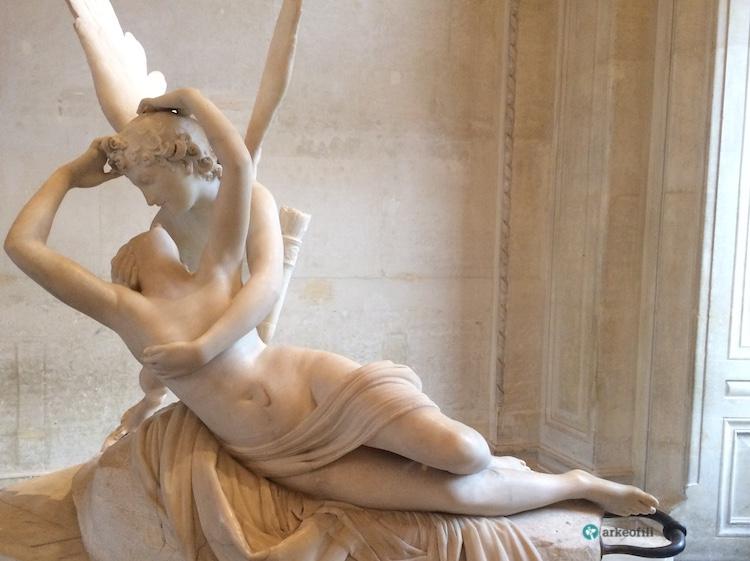 Cupid'in öpücüğüyle canlanan Psyche, Louvre Müzesi
