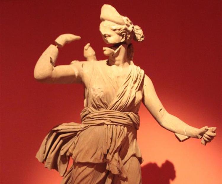 Avlanan Artemis Heykeli (Antalya Arkeoloji Müzesi)