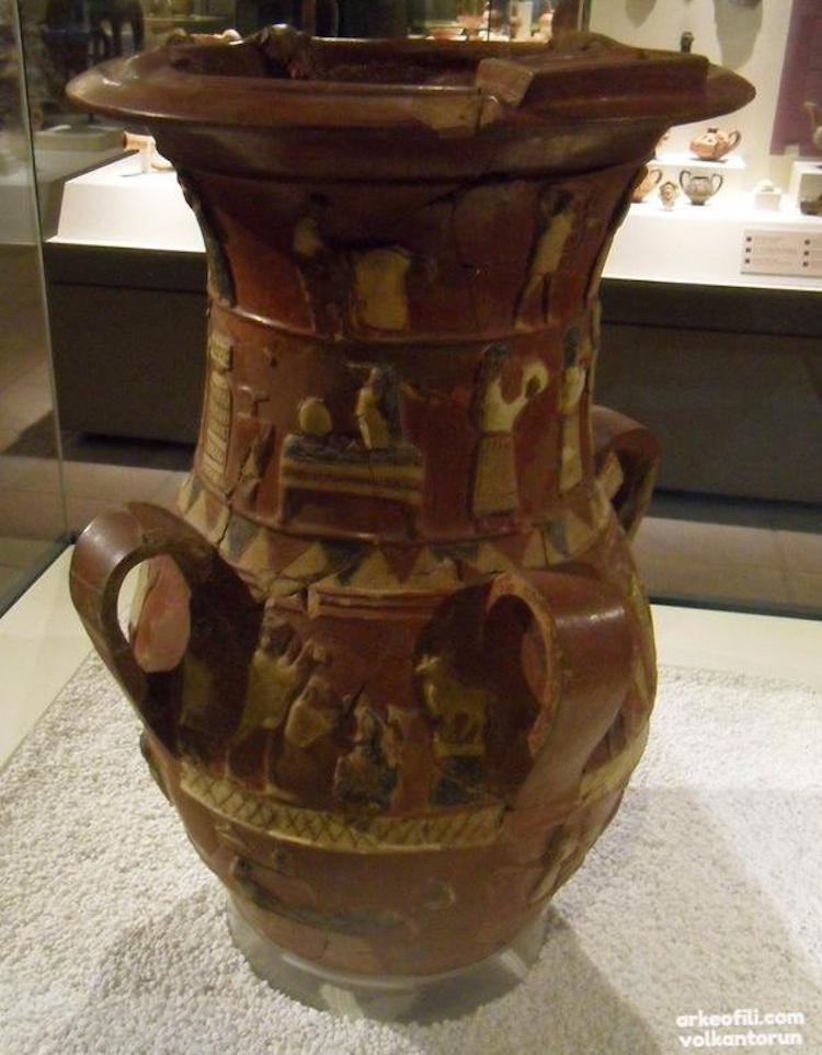 İnandık Vazosu (Anadolu Medeniyetleri Müzesi)