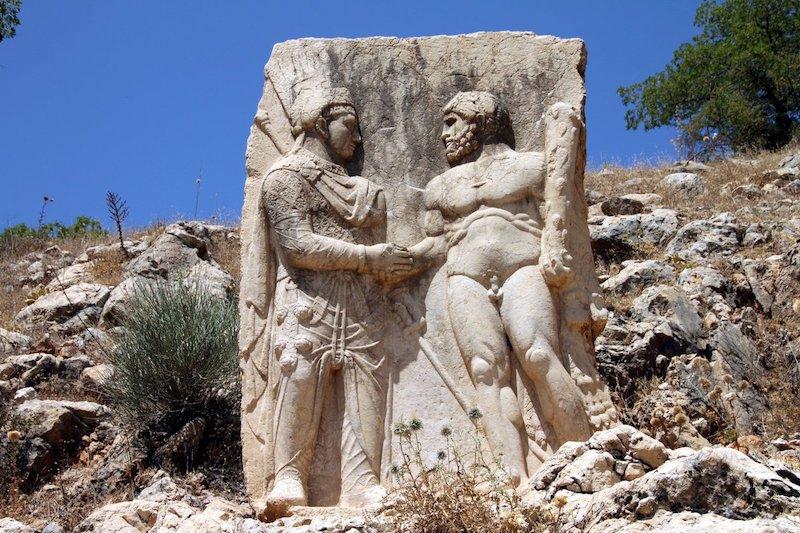 Neden El Sıkışırız? | El Sıkışmanın Tarihi wikikultur.com